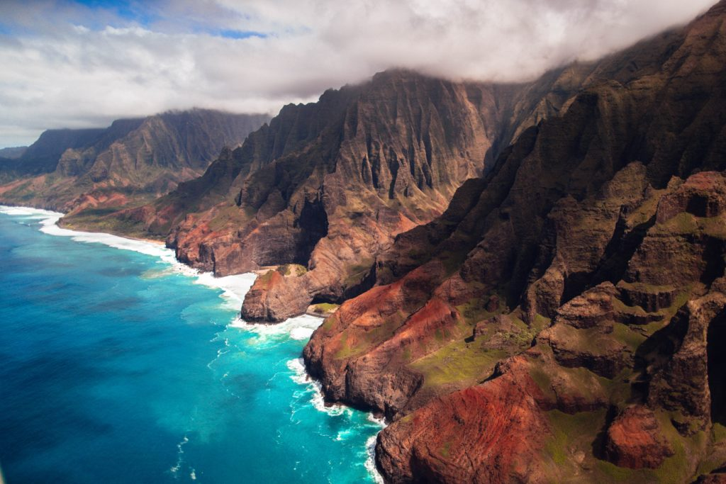 Nā Pali Coast, Kauai, Hawaii. Photo by Roberto Nickson on Unsplash