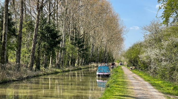 Kennet and Avon canal Devizes to Bradford on Avon